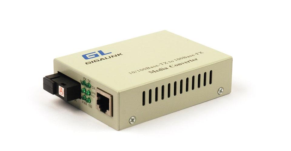 GL-MC-UTPF-SC1F-18SM-1550 Конвертер GIGALINK из UTP, 100Мбит/c в WDM, LFP, SM, SC, Tx:1550/Rx:1310, 18 дБ (до 20 км) (GL-F920R)